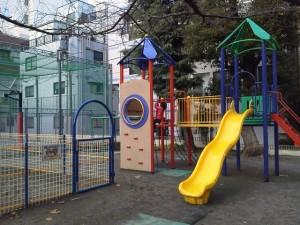 越前堀公園の遊具